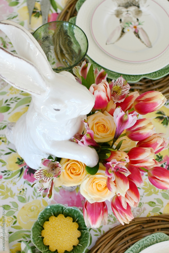 Hopping into Spring Tablescape | ©homeiswheretheboatis.net #spring #tablescapes