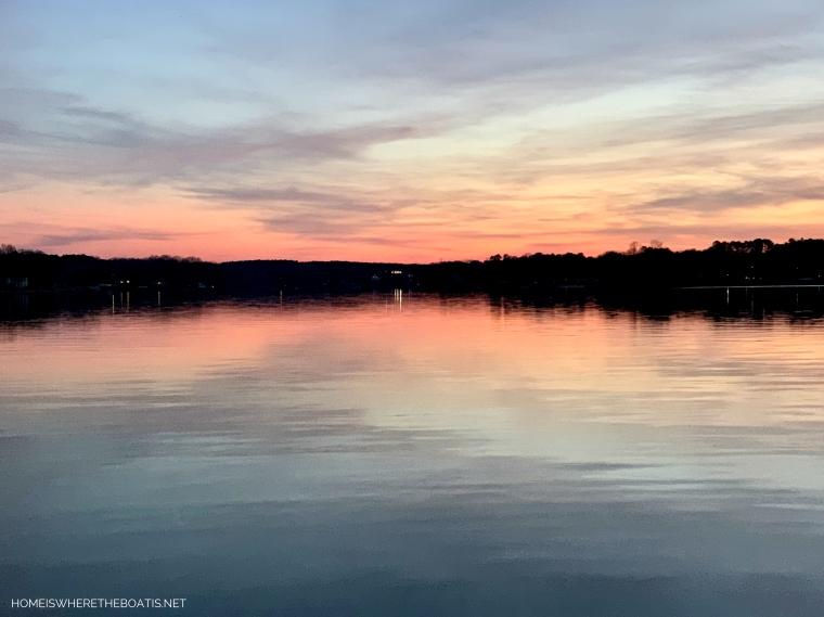 Weekend Waterview Sunset Lake Norman | ©homeiswheretheboatis.net #LKN #sunset #lake
