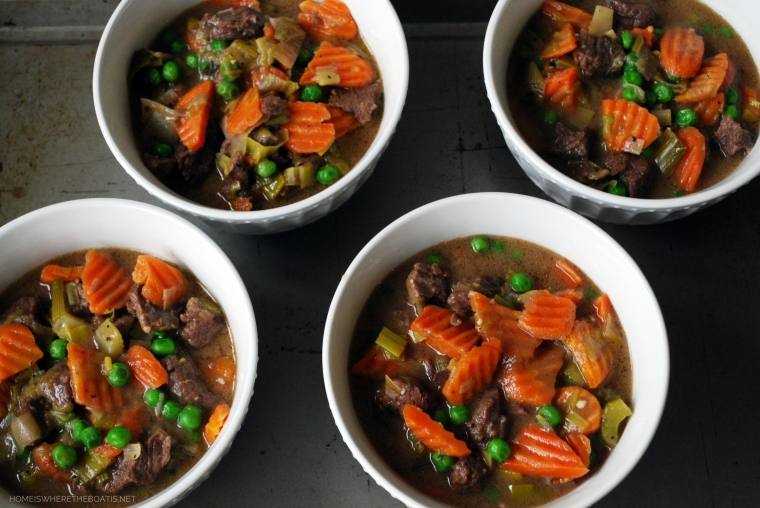 Beef and Guinness Pot Pies | ©homeiswheretheboatis.net #stpatricksday #recipes #irish #guinness